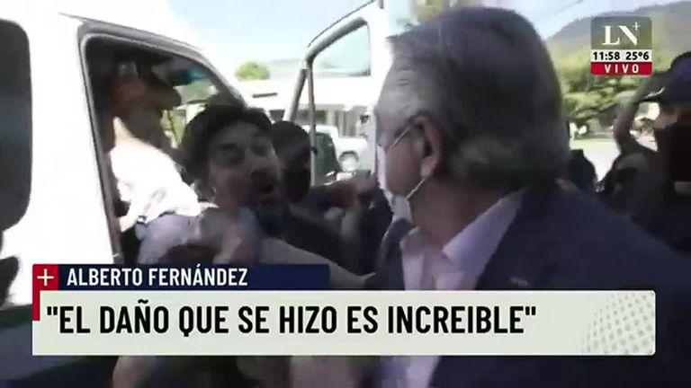 El momento en el que Alberto Fernández quedó frente a frente con los manifestantes en Chubut