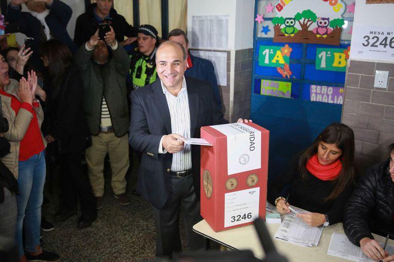 Manzur al emitir su voto en Tucumán