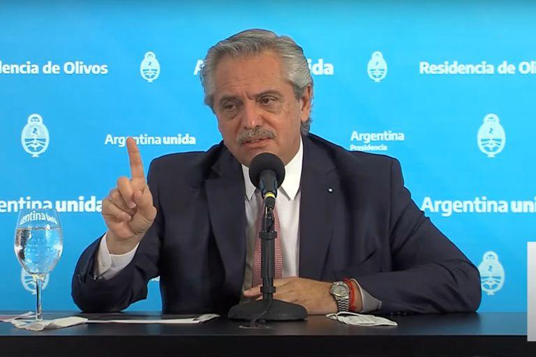Alberto Fernandez durante la conferencia de prensa del 16 de abril