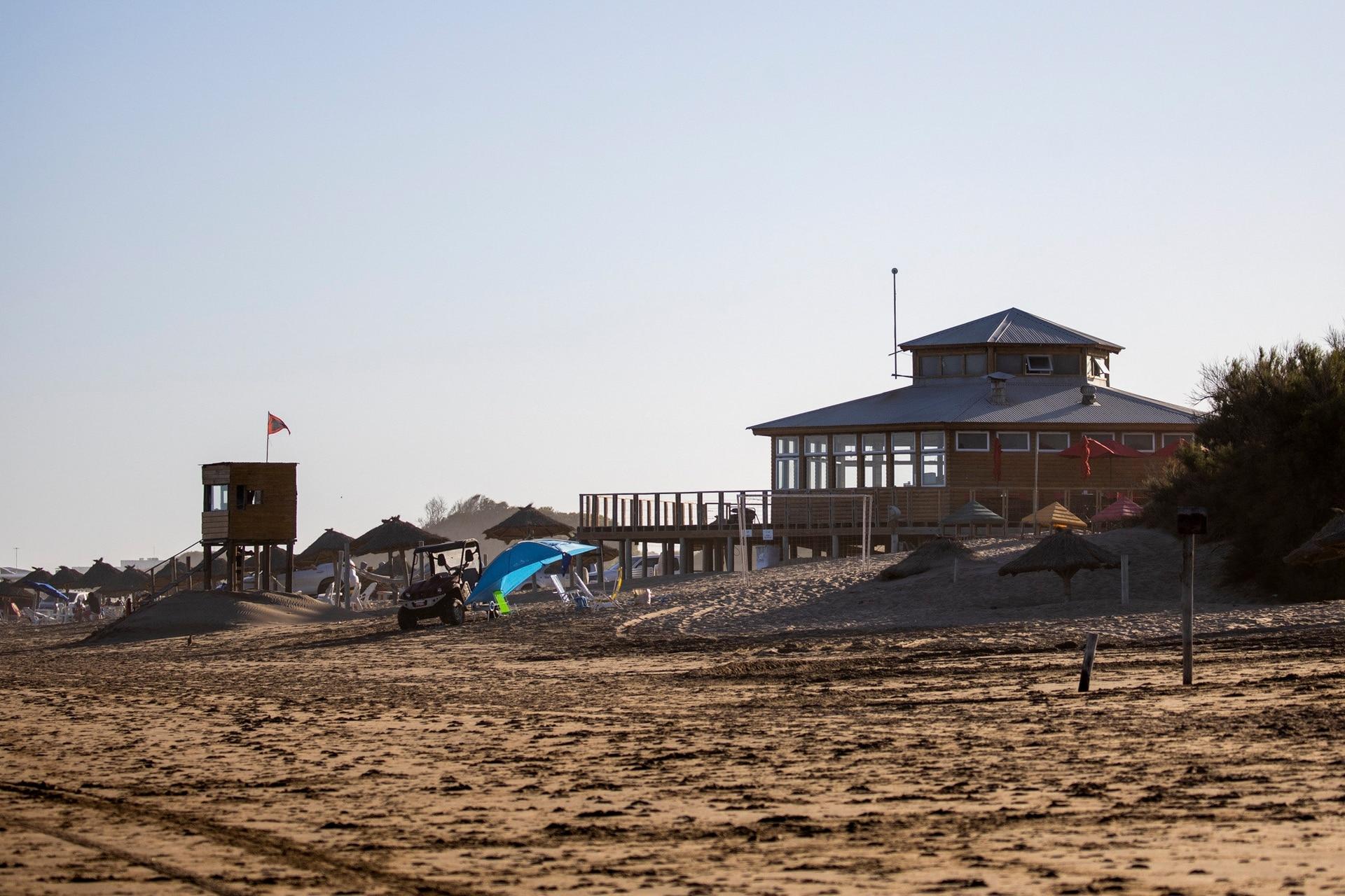 """Parador El Más Allá, en """"La Frontera"""", una playa ideal para un verano con distanciamiento social."""