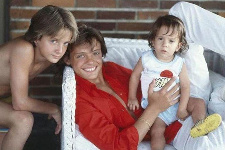 Los hermanos Gallego Basteri. Alejandro, Luis Miguel y el pequeño Sergio.