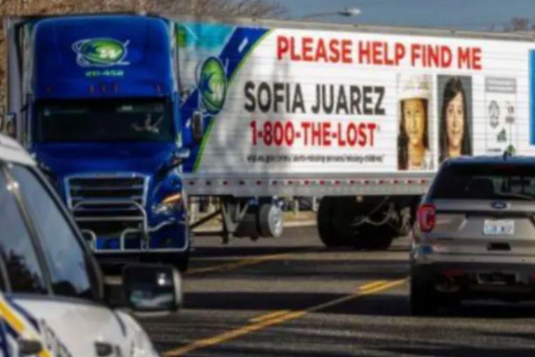 La ciudad fue ploteada con avisos para que los lugareños puedan aportar datos sobre Sofía