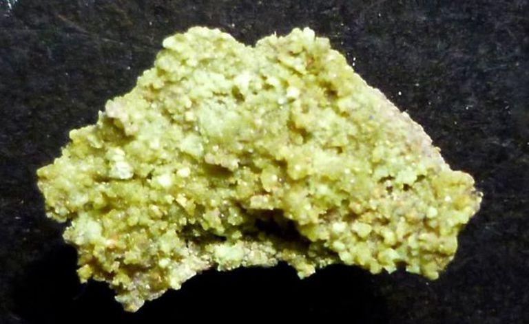 La andersonita es un mineral derivado del uranio