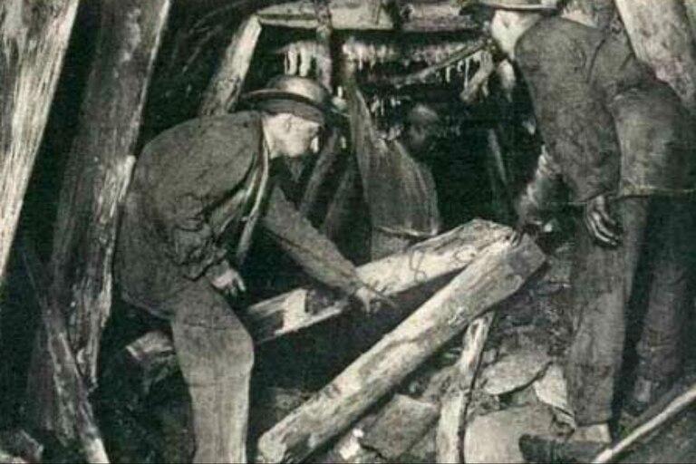 La tragedia tuvo un saldo de 1099 mineros fallecidos. Fuente: El Historiador.