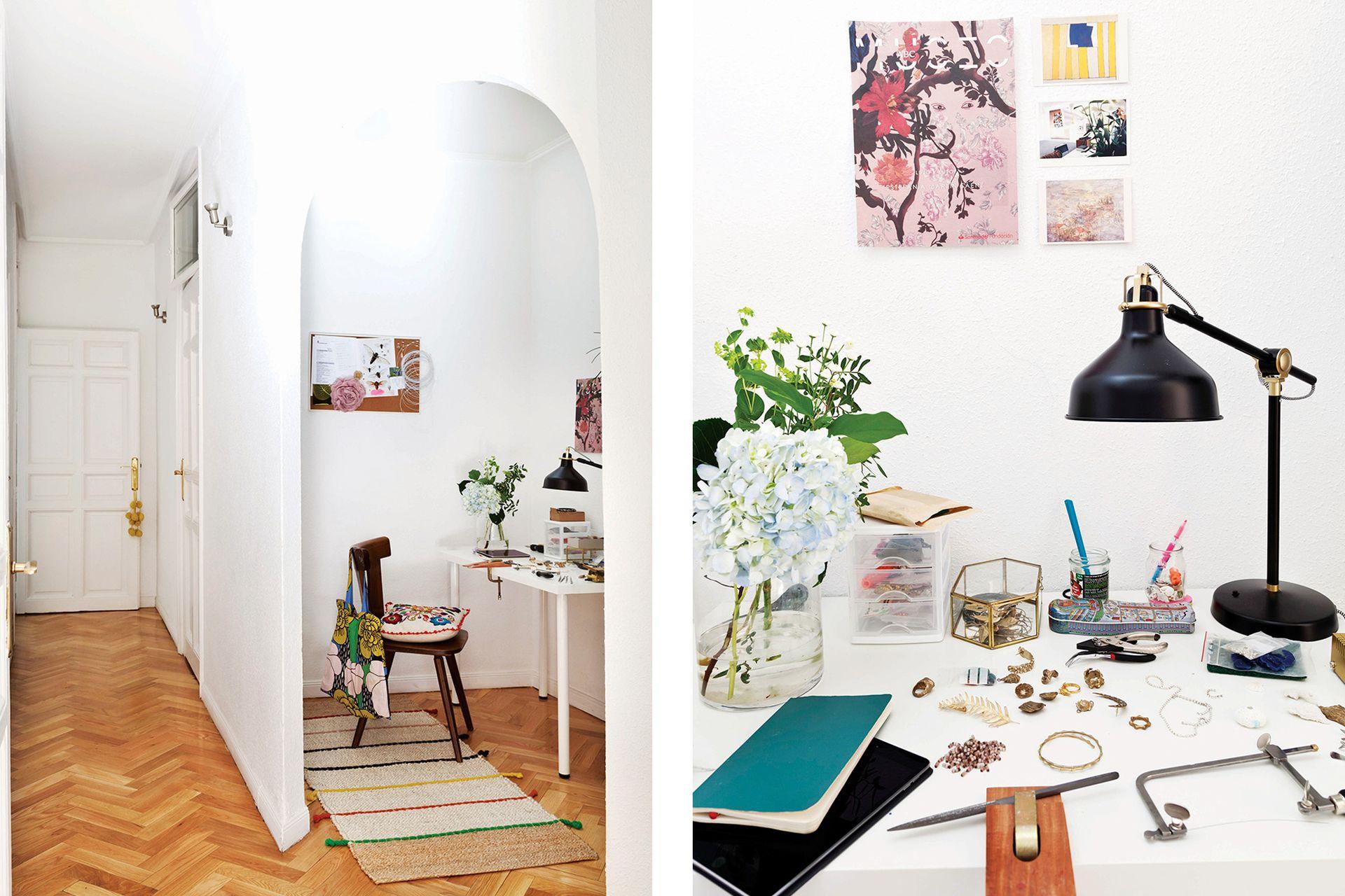 Personalizado con moodboards de inspiración, un arco enmarca el íntimo espacio de trabajo de Josha, la marca de Dolores.