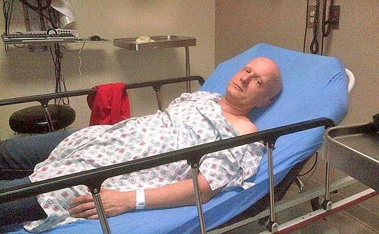 """El hombre decía que le quedaban tan solo meses de vida debido a una enfermedad genética, que sí padece y le fue diagnosticada en 2009, llamada síndrome de Cowden, que le supuso la aparición de """"dos mil tumores""""."""
