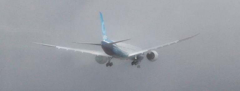 En fotos: el 777X de Boeing tuvo su vuelo inaugural y busca reflotar a la firma