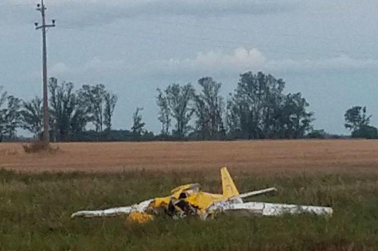 Murieron dos hermanos al estrellarse el avión en el que hacían acrobacias
