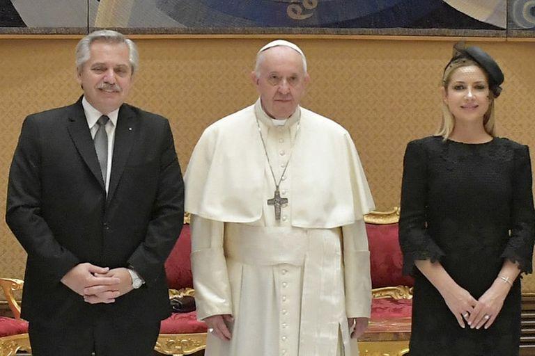 Alberto Fernández y Fabiola Yañez, durante la reunión de ayer con el papa Francisco