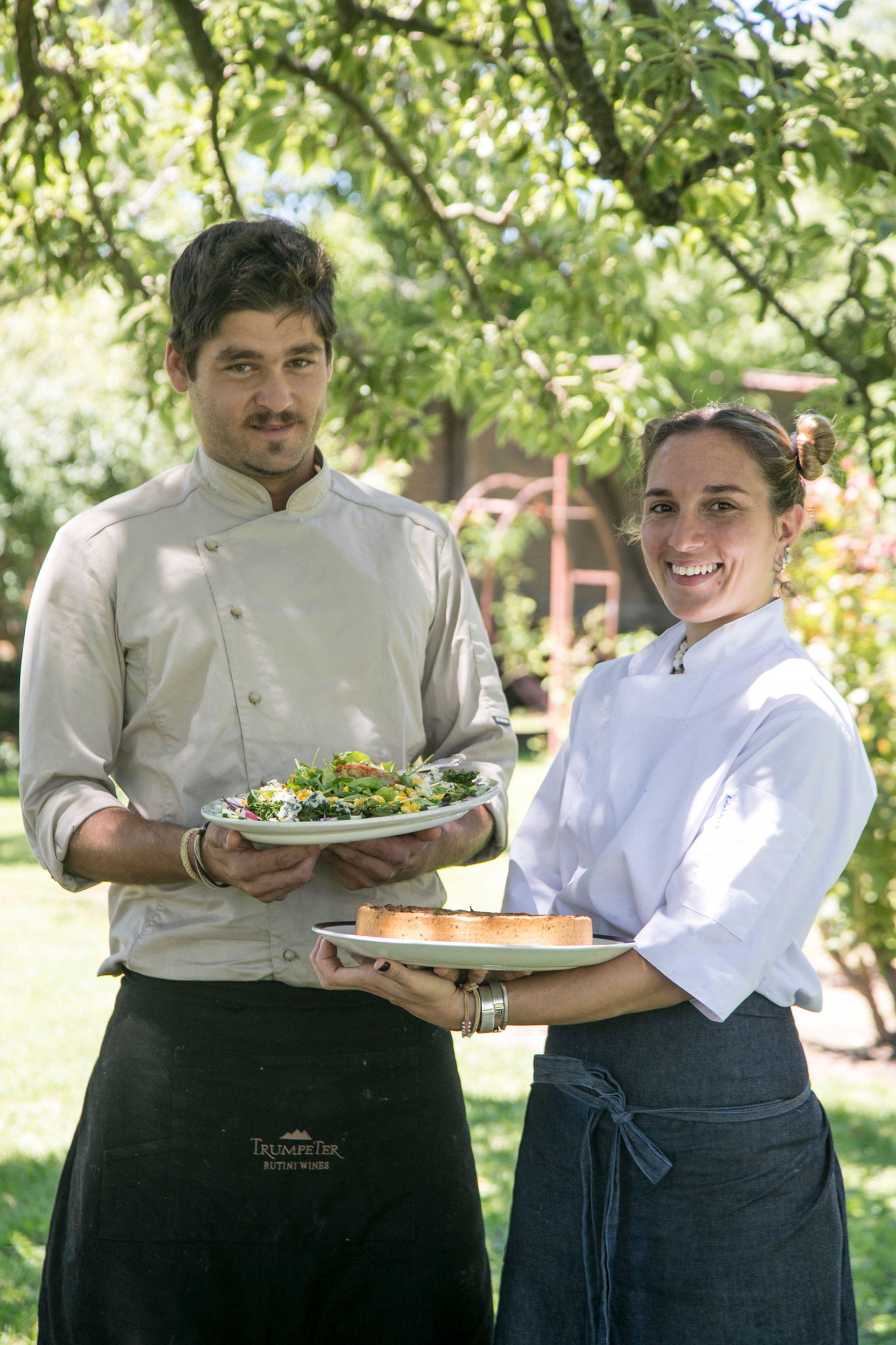 Felicitas Condesse Stanga y Dámaso Rivas Pinal, responsables de la cocina de La Madrugada.