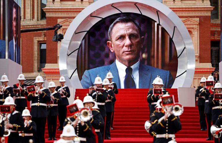 Una banda militar tocó en la alfombra roja antes del estreno mundial de la película