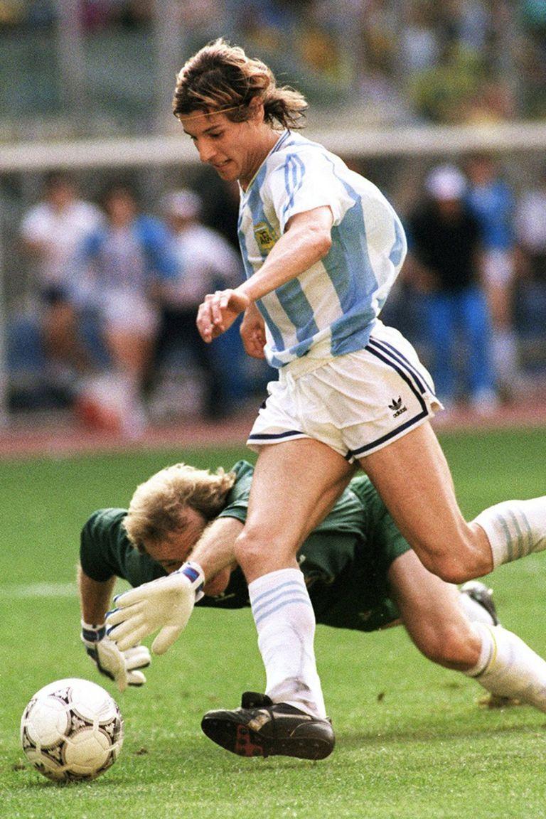 Claudio Caniggia ya eludió a Taffarel y está por conseguir el gol más celebrado de la Argentina en los últimos 30 años de mundiales, el que lo inmortalizó como referente del seleccionado.