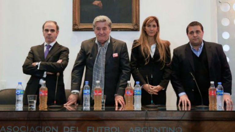 Los cuatro integrantes del Comité de Regularización