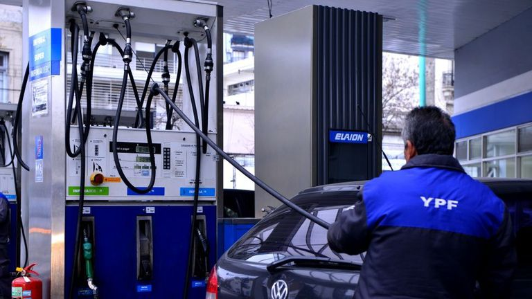 La petrolera ofrece compras anticipadas de combustible de hasta $50.000, que se actualizan con los aumentos de precios