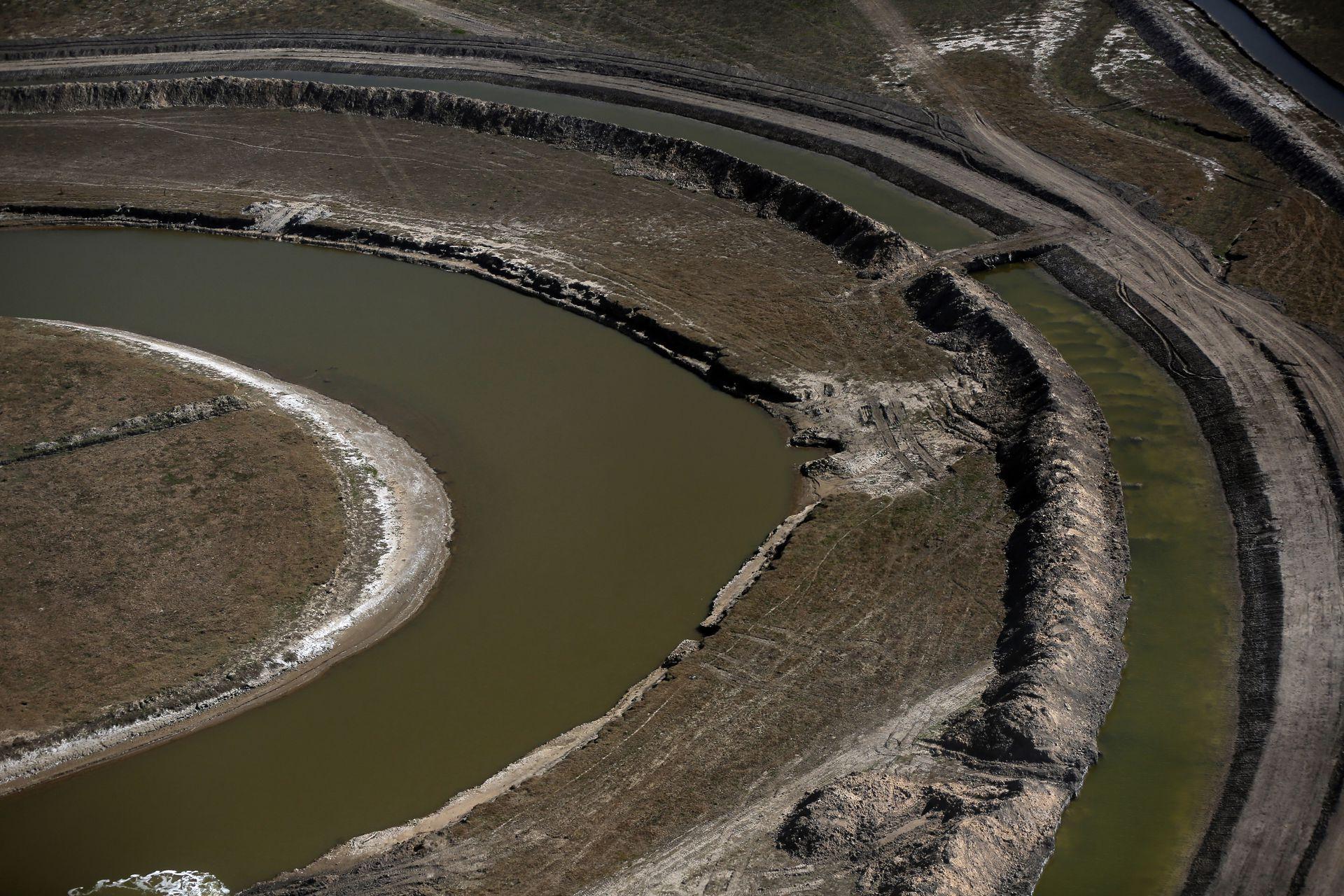 Vista aérea del Plan Maestro Integral de la Cuenca del Rio Salado, en Roque Pérez