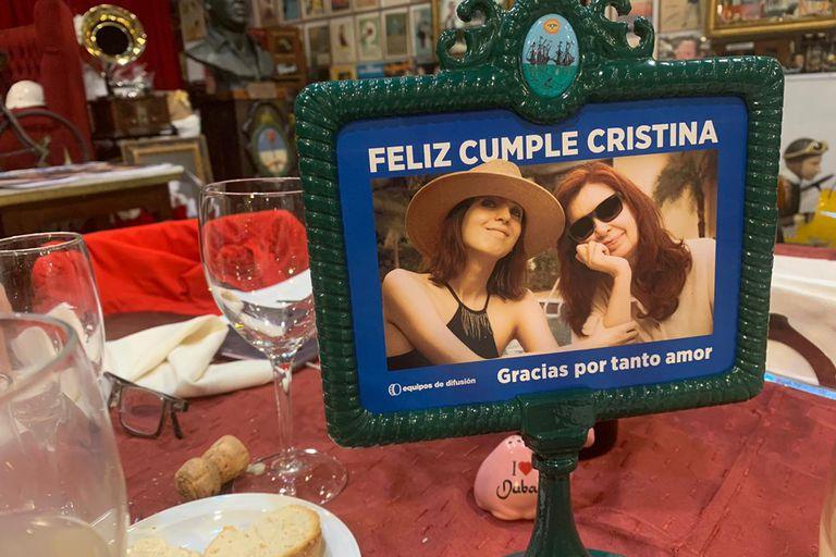 Cristina Kirchner festejó su cumpleaños en el Café Las Palabras rodeada de su círculo más íntimo