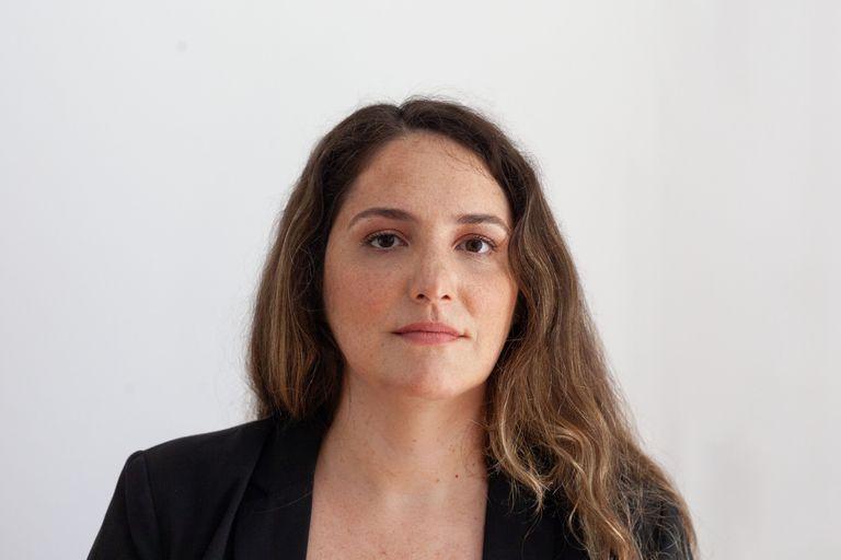 """Historiadora, docente e investigadora del Conicet, María Victoria Baratta es autora de """"No esenciales"""""""