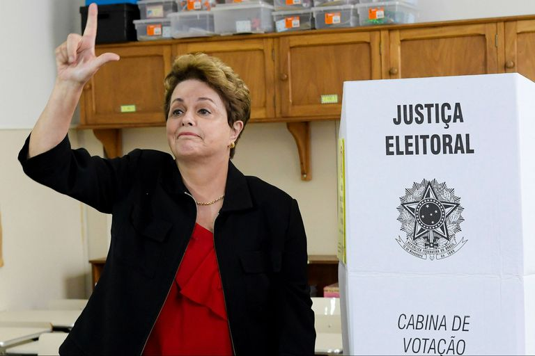 Elecciones en Brasil: Dilma Rousseff se quedó fuera del Senado