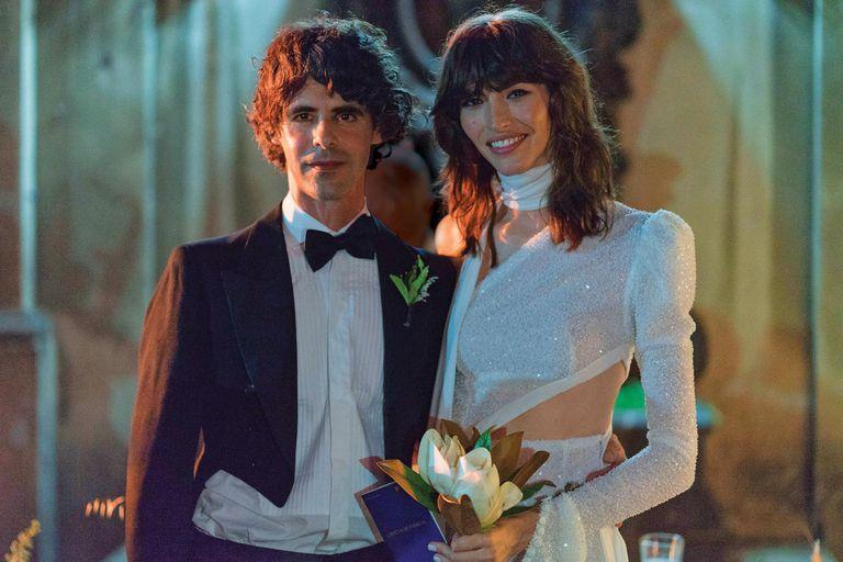 El 19, la top internacional selló su amor con el fotógrafo Andrés Cigorraga Castex. La fiesta porteña fue en la Casa Basavilbaso, que perteneció a parientes del novio