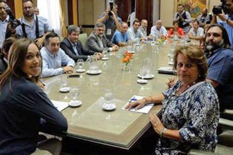 La gobernadora bonaerense dará a conocer detalles de la paritaria docente, que contempla un aumento para 2019 en línea con la inflación y un resarcimiento de 15,6% por 2018