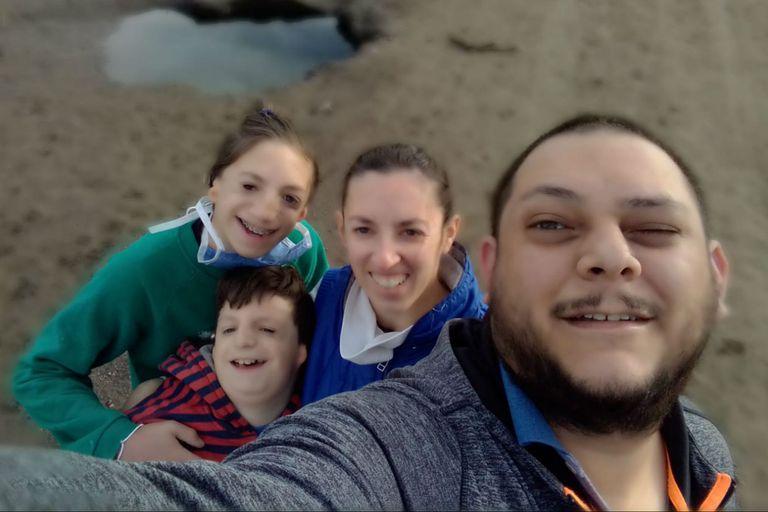 """Los niños argentinos con Treacher Collins que enseñan a """"mirar para aprender"""""""