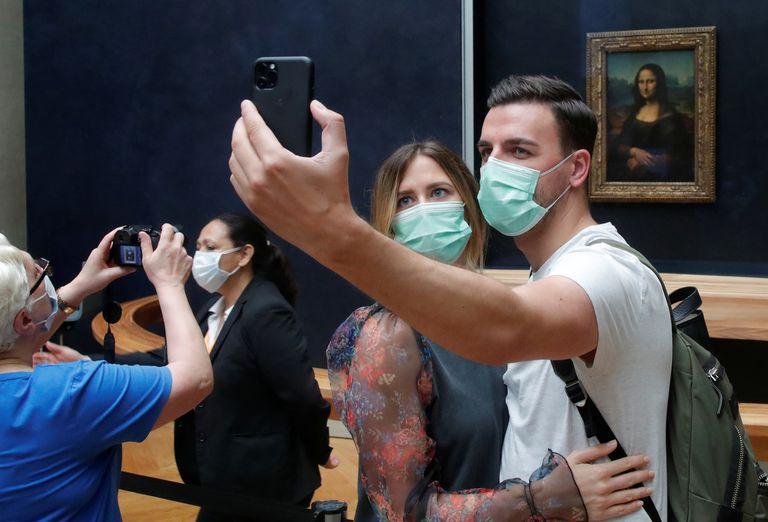 """Reabrió el museo Louvre: cómo es la """"nueva normalidad"""" de la Gioconda"""