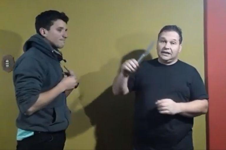Javier Furlong y Gaspar Zárate en sus videos en los que simulan disparatadas clases de defensa personal