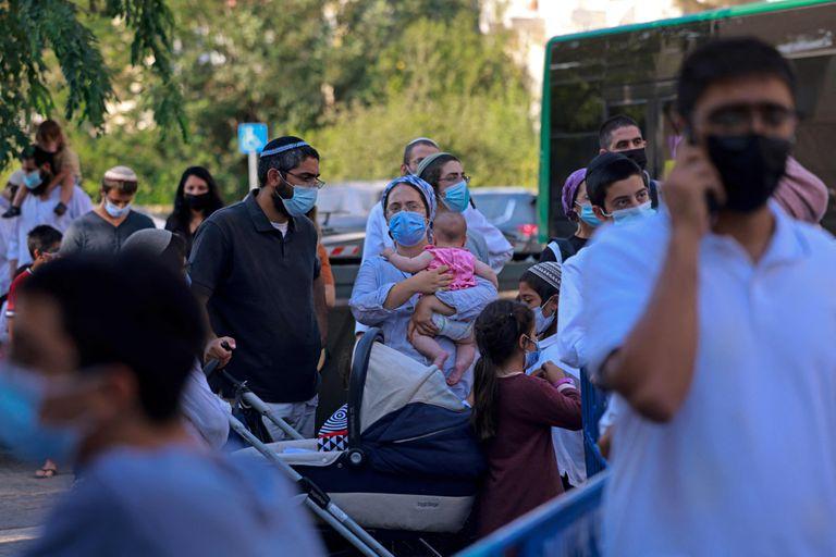 Israel, de líder en vacunación a ser el país con el mayor ritmo global de aumento de casos