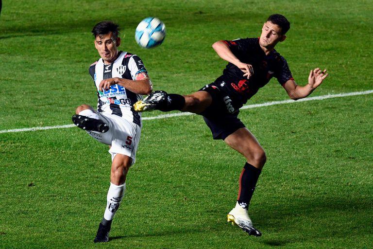Colón-Central Córdoba, por la Copa Liga Profesional: un partido por momentos luchado en Santa Fe