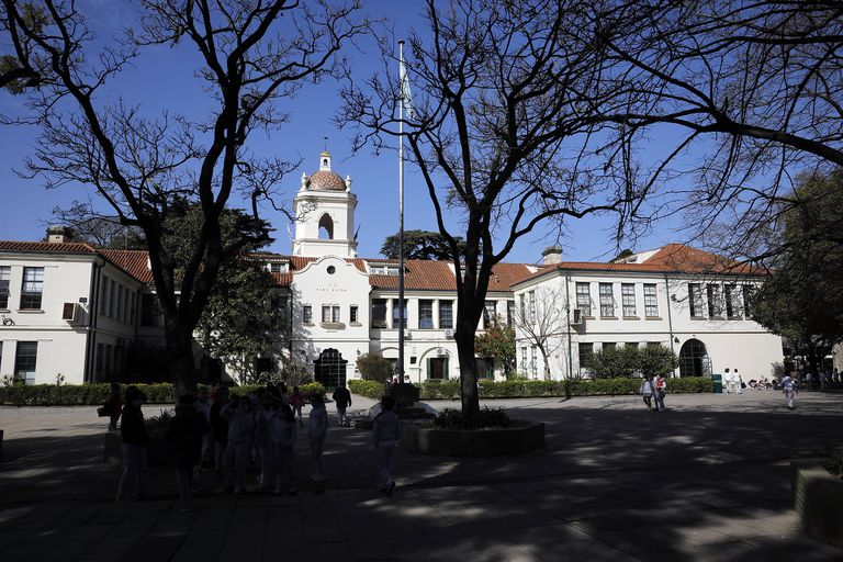 La desconocida historia de un imponente colegio centenario del conurbano