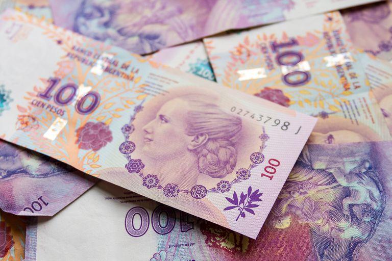 Ardides, tensiones y molestias por una situación engorrosa con los billetes