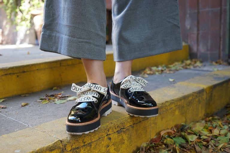 Remera: Vintage Pantalón: H&M Zapatos: Zara Aros: Ucha
