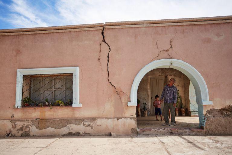 Las viviendas de adobe fueron las que más sufrieron el impacto del sismo de 6,4 grados en San Juan, que aún sigue reportando réplicas.
