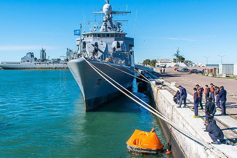 La insólita historia del buque de la Armada que lleva diez años varado por una deuda