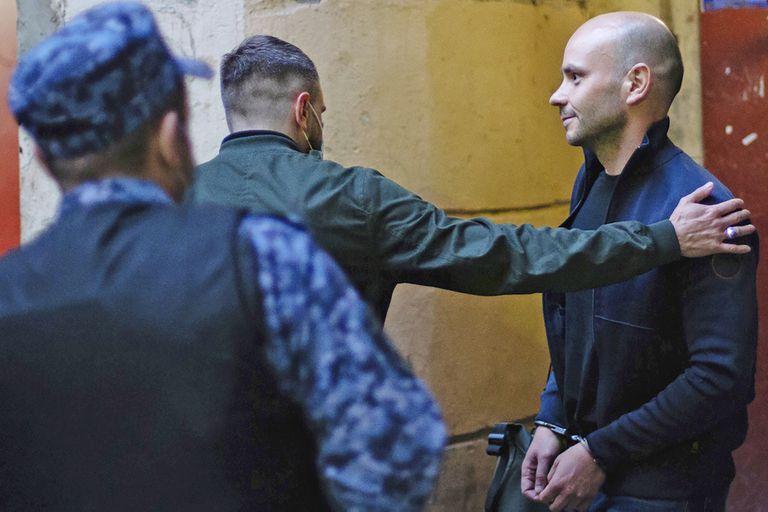 La policía detuvo al opositor Andrei Pivovarov tras bajarlo de un avión