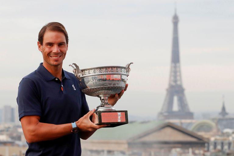 Rafael Nadal, que al conquistar Roland Garros alcanzó los 20 trofeos de Grand Slam, terminó el año en el Top 2 por decimosegunda vez, todo un récord.