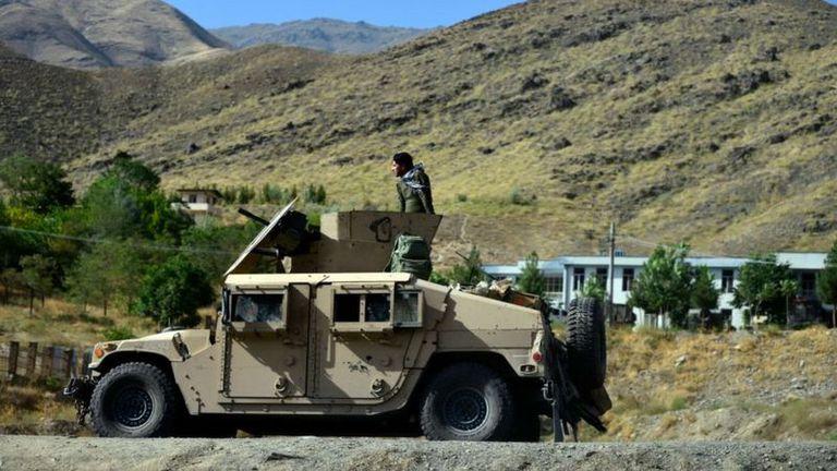 Las fuerzas de seguridad afganas patrullando Panshir, el 17 de agosto de 2021