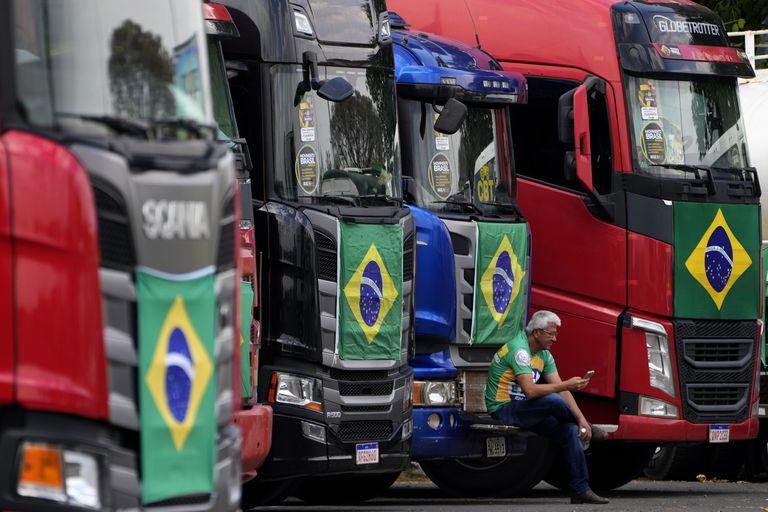 Camiones listos para la manifestación del 7 de septiembre en Brasilia