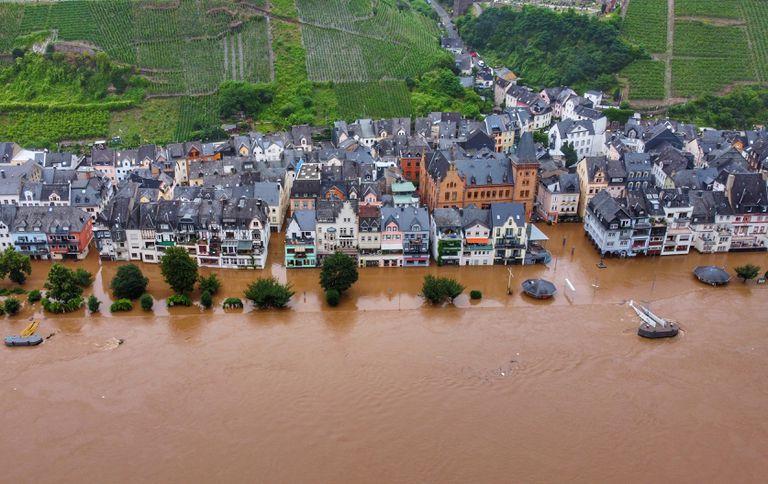 Las inundaciones golpearon el municipio alemán de Zell (Sebastian Schmitt/dpa)