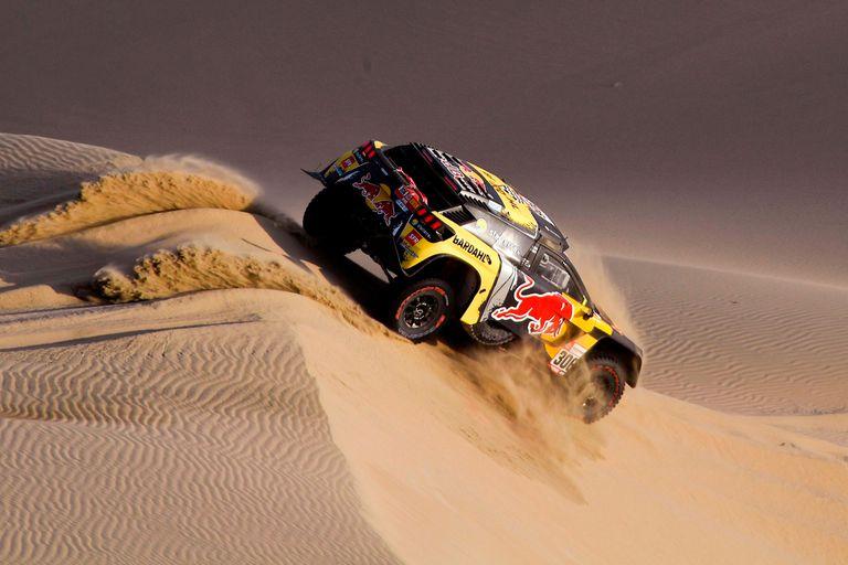 Rally Dakar: Loeb fue un águila en las dunas y Orly Terranova fue hospitalizado