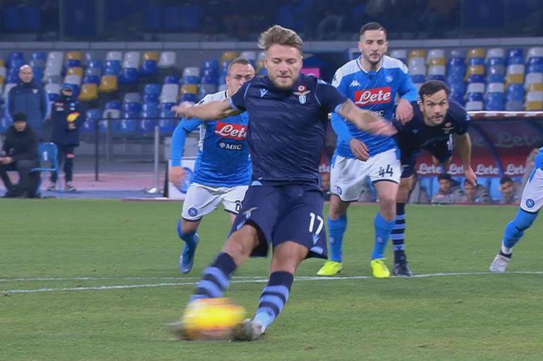 Immobile desperdició un penal con el partido 0-0 y luego Lazio cayó 1-0 con Napoli