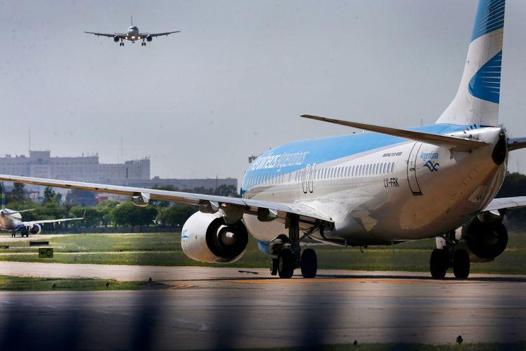 Aerolíneas difundió el cronograma de vuelos hasta el próximo lunes