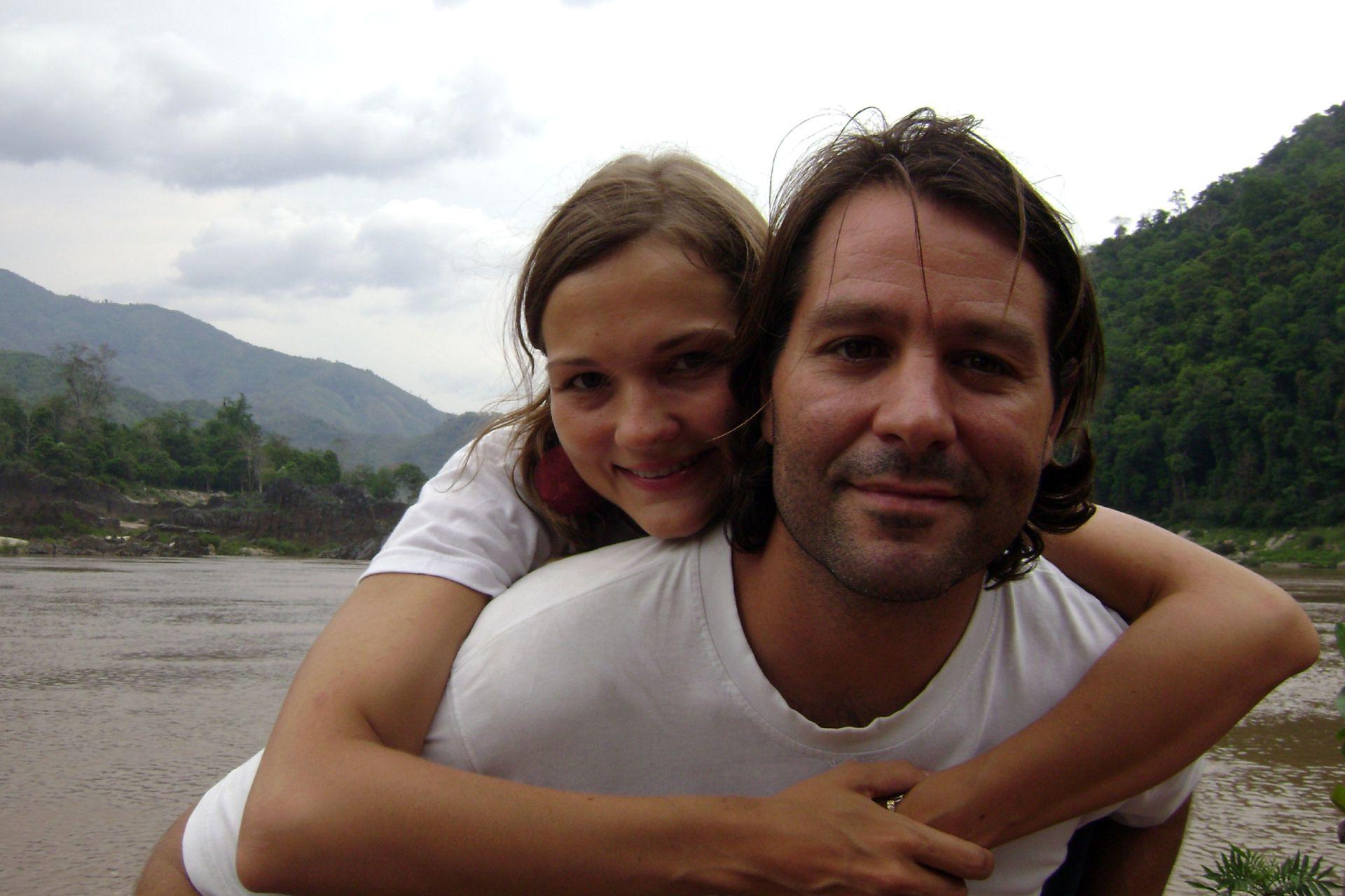 Antes de casarse, la pareja hizo un viaje soñado por el sudeste asiático (Tailandia, Malasia, Camboya, Laos, Filipinas).