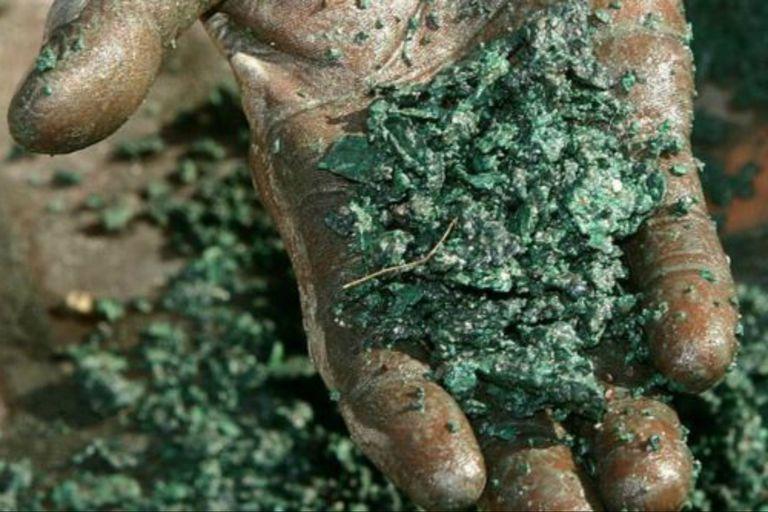 El cobalto se extrae de la mena de la heterogenita