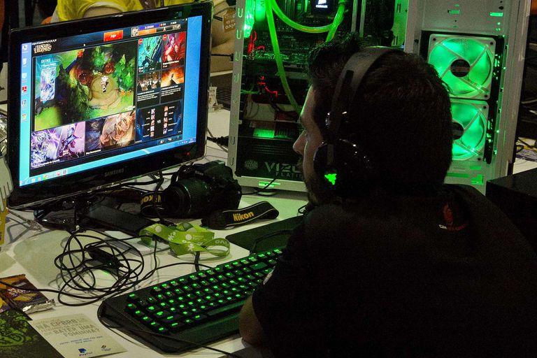Los gamers que prefieren disfrutar de sus partidas en las computadoras personales también cuentan con varias ofertas en la tienda digital Steam