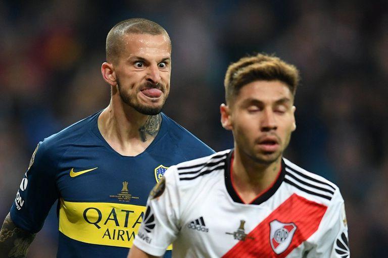 El gesto de Benedetto a Montiel, revivido ayer por el propio delantero antes del partido de Boca contra Unión.
