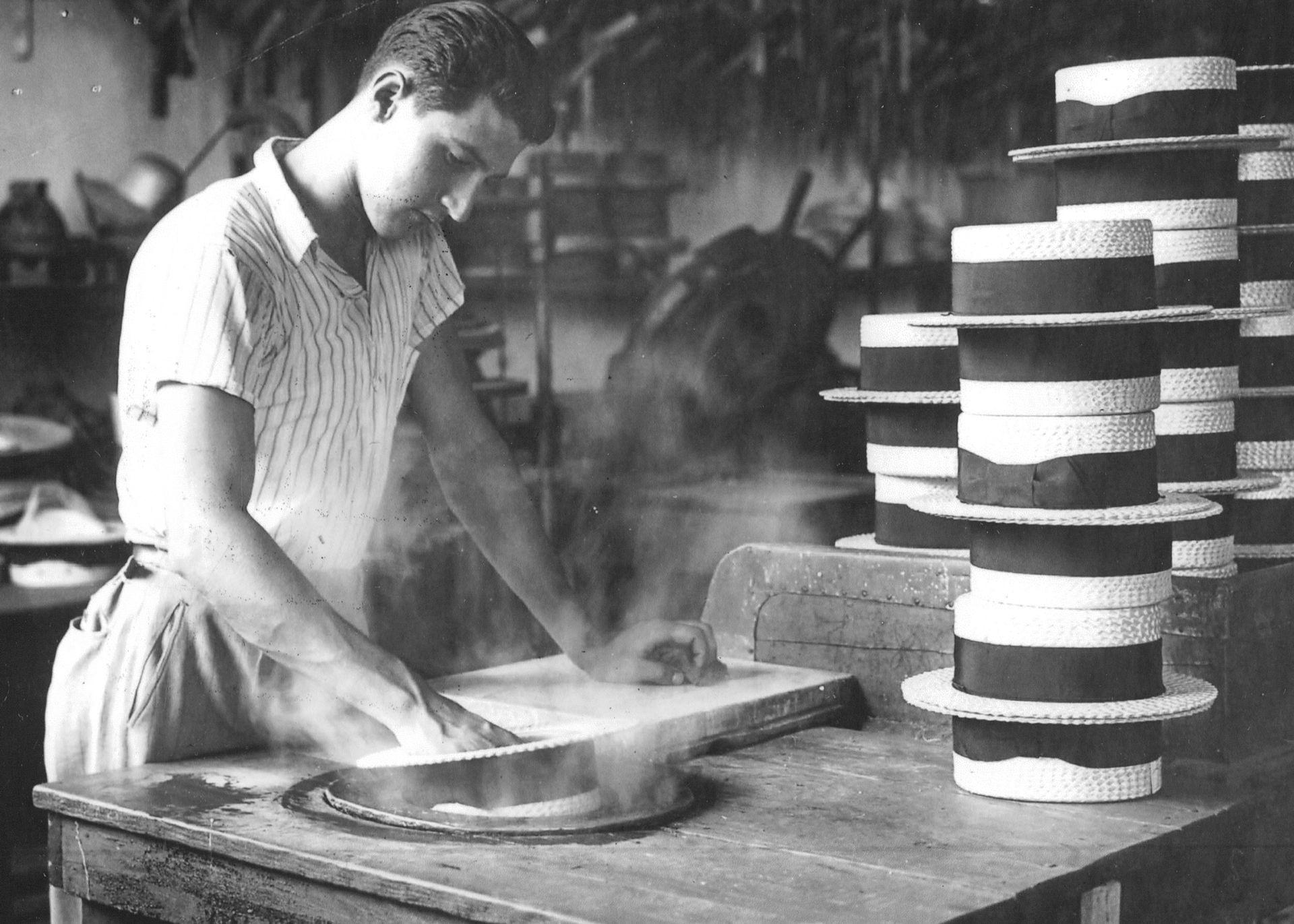 Taller de fabricación de sombreros. 1942.