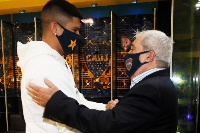 Marcos Rojoes fue recibido por Jorge Ameal, el presidente de Boca.