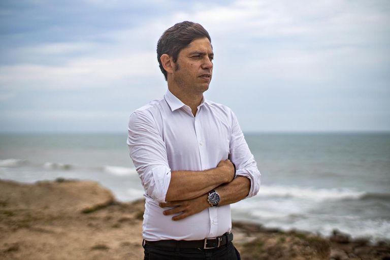 Entrevista a Axel Kicillof, en viaje entre Villa Gesell y Mar Chiquita
