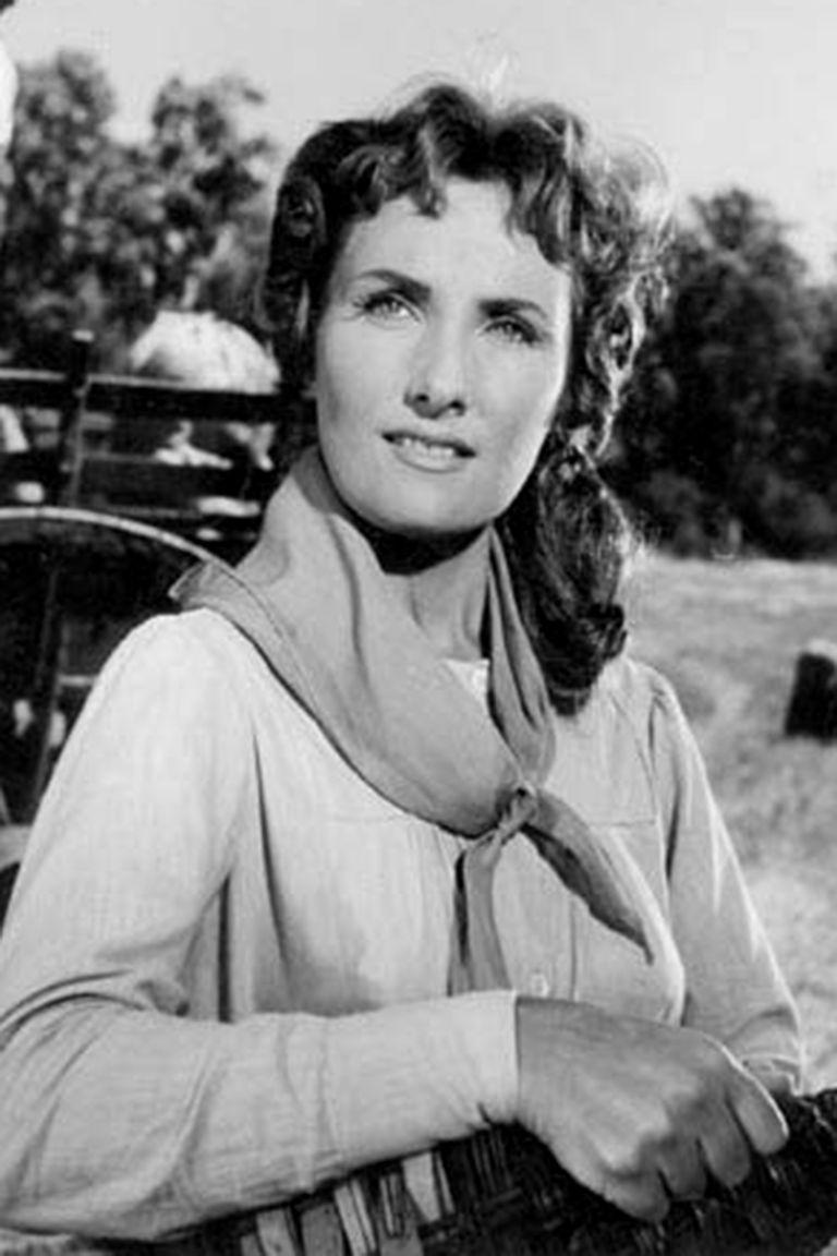 Silvia Legrand actuó en una docena de películas, antes de retirarse de la actuación y de la vida pública